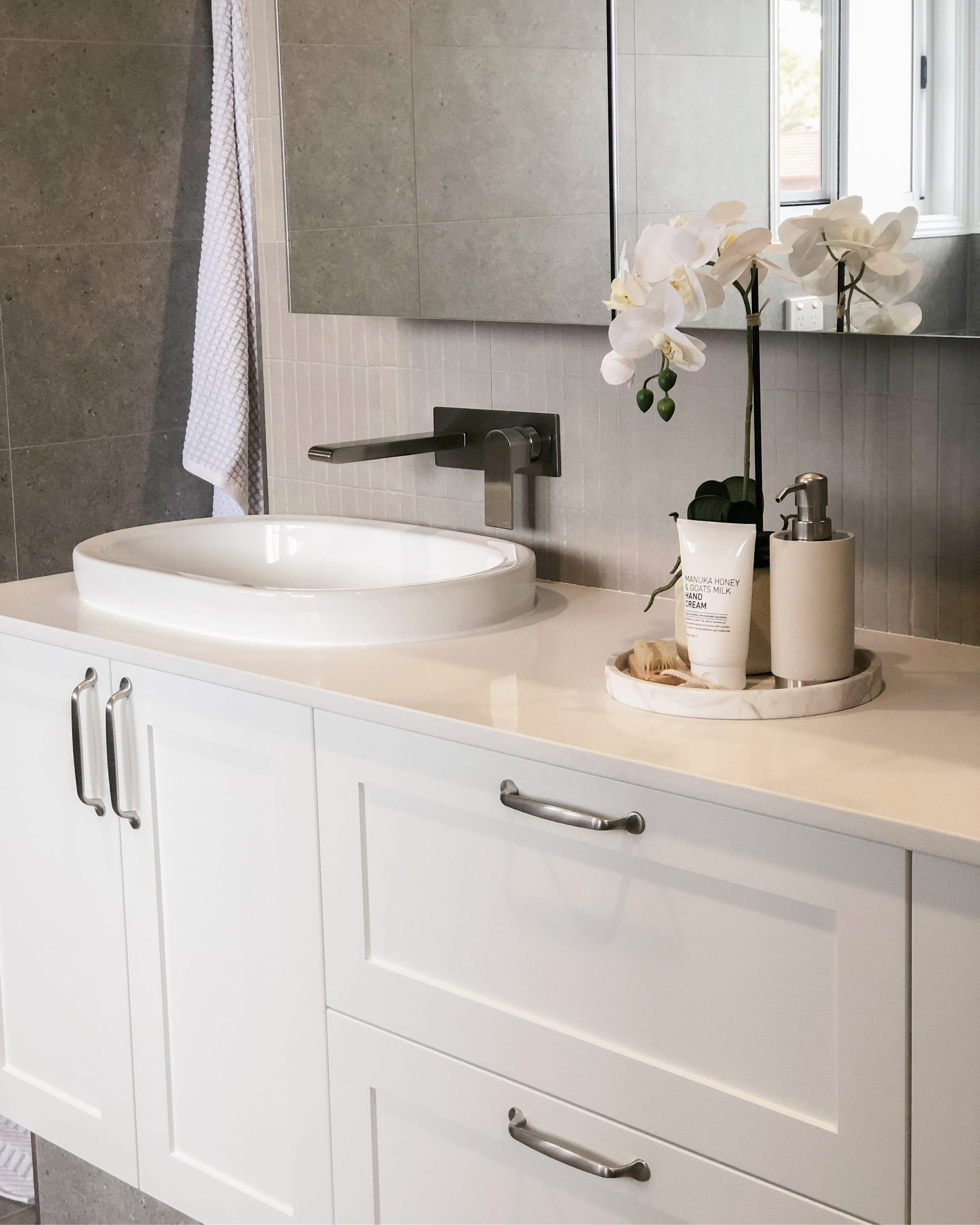 https://www.ivyandfinch.com.au/wp-content/uploads/2021/02/Bracken-Ridge-Interior-Design-Bathroom-Renovation-scaled.jpg