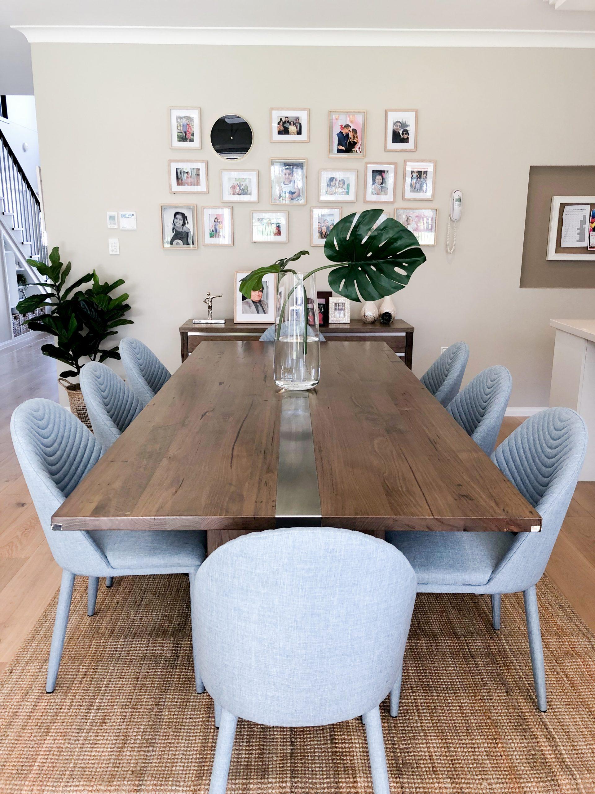 https://www.ivyandfinch.com.au/wp-content/uploads/2021/02/Interior-Design-Hope-Island-Dining-scaled.jpg