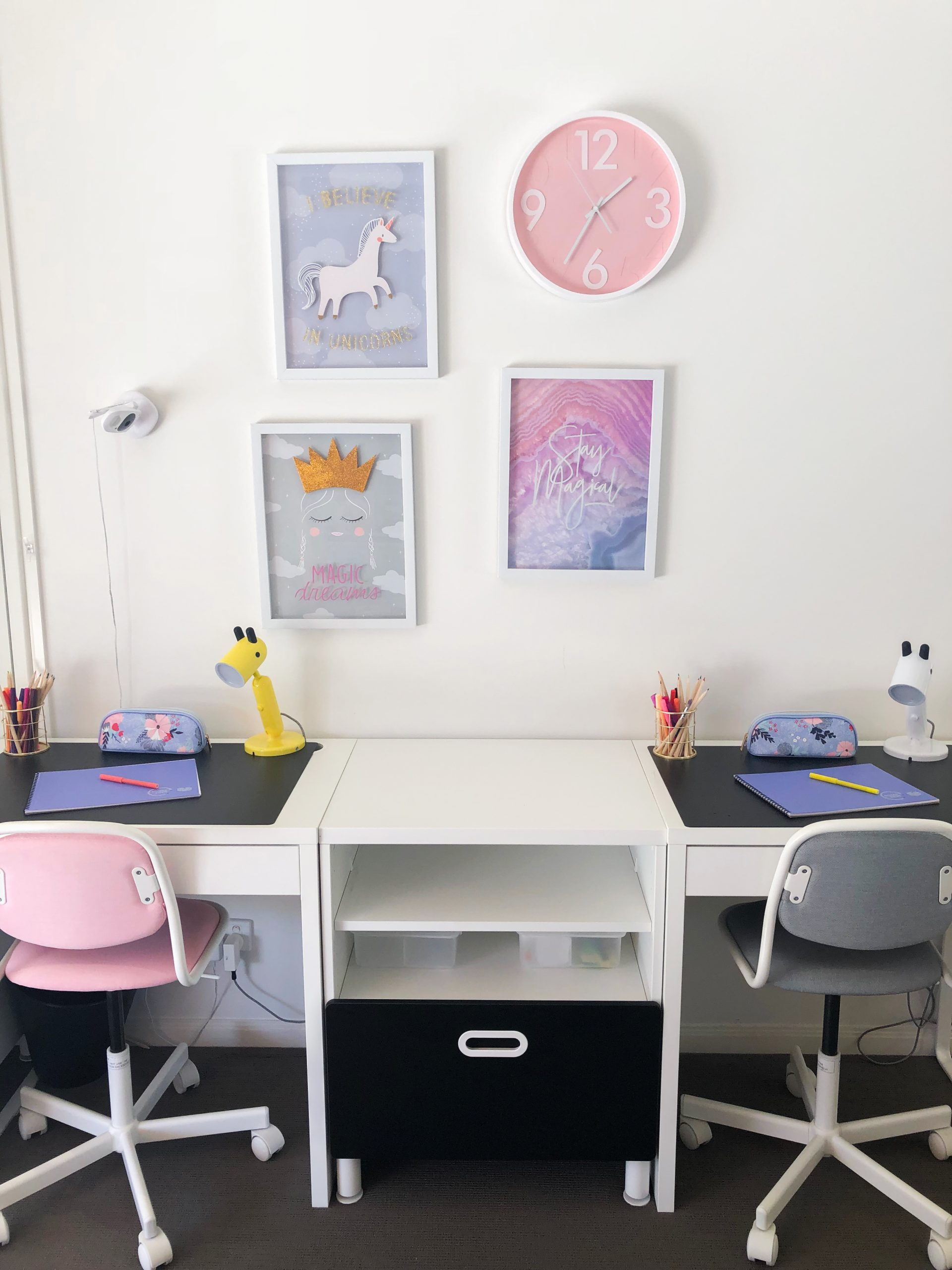 https://www.ivyandfinch.com.au/wp-content/uploads/2021/02/Interior-Design-Hope-Island-Kids-Study-scaled.jpg