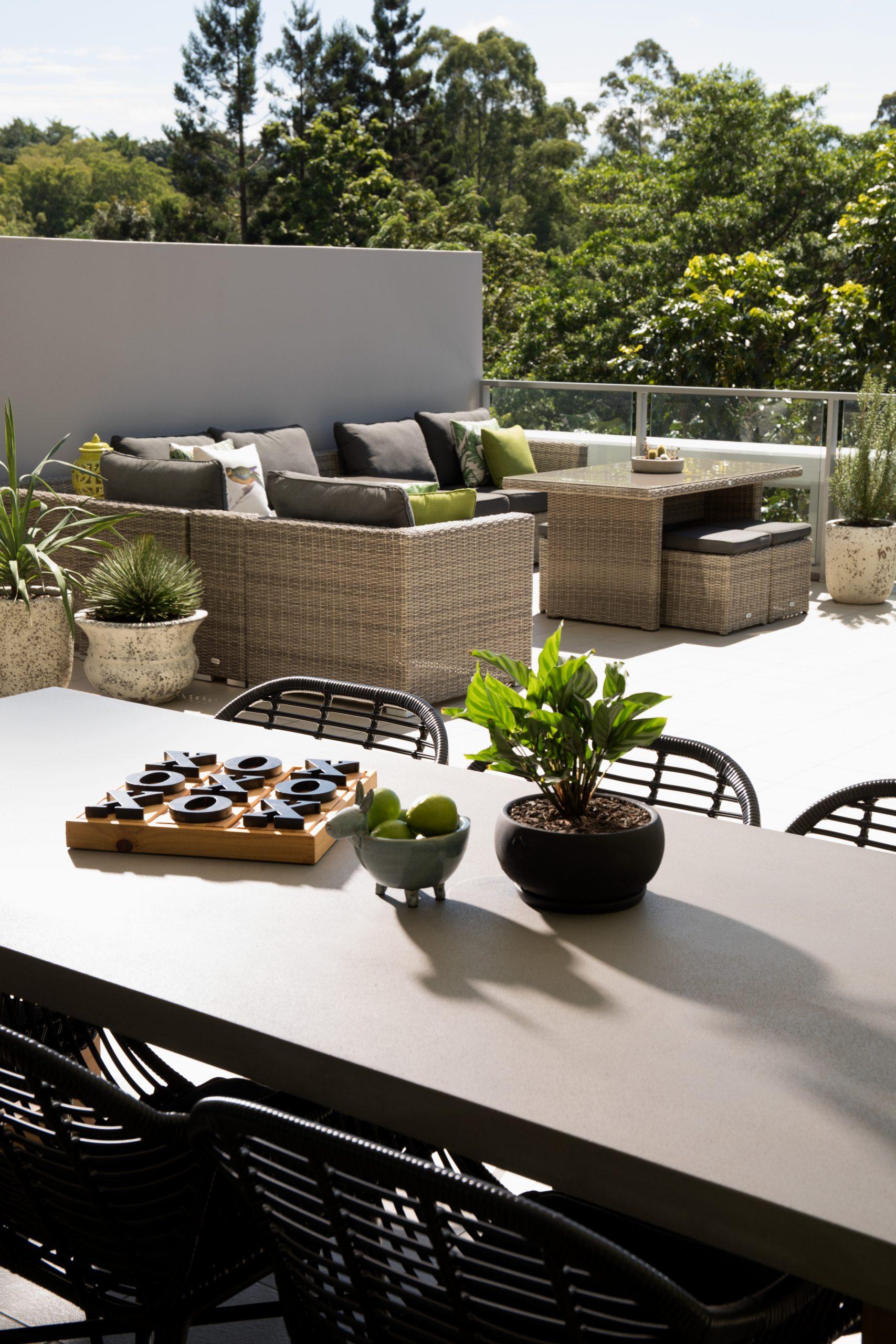 https://www.ivyandfinch.com.au/wp-content/uploads/2021/02/Roma-Street-Parklands-Interior-Design-Terrace-scaled.jpg