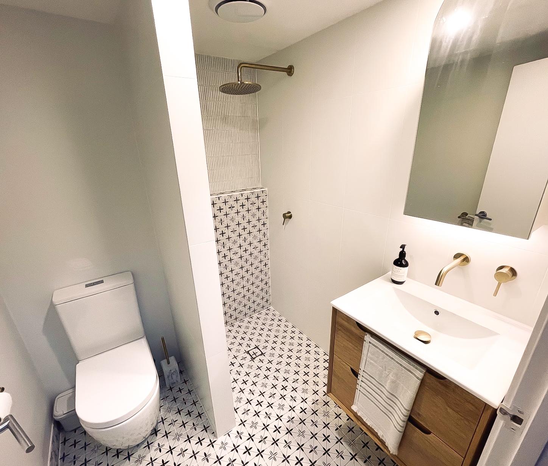 https://www.ivyandfinch.com.au/wp-content/uploads/2021/04/Interior-Design-Teneriffe-Bathroom-Renovation.jpg
